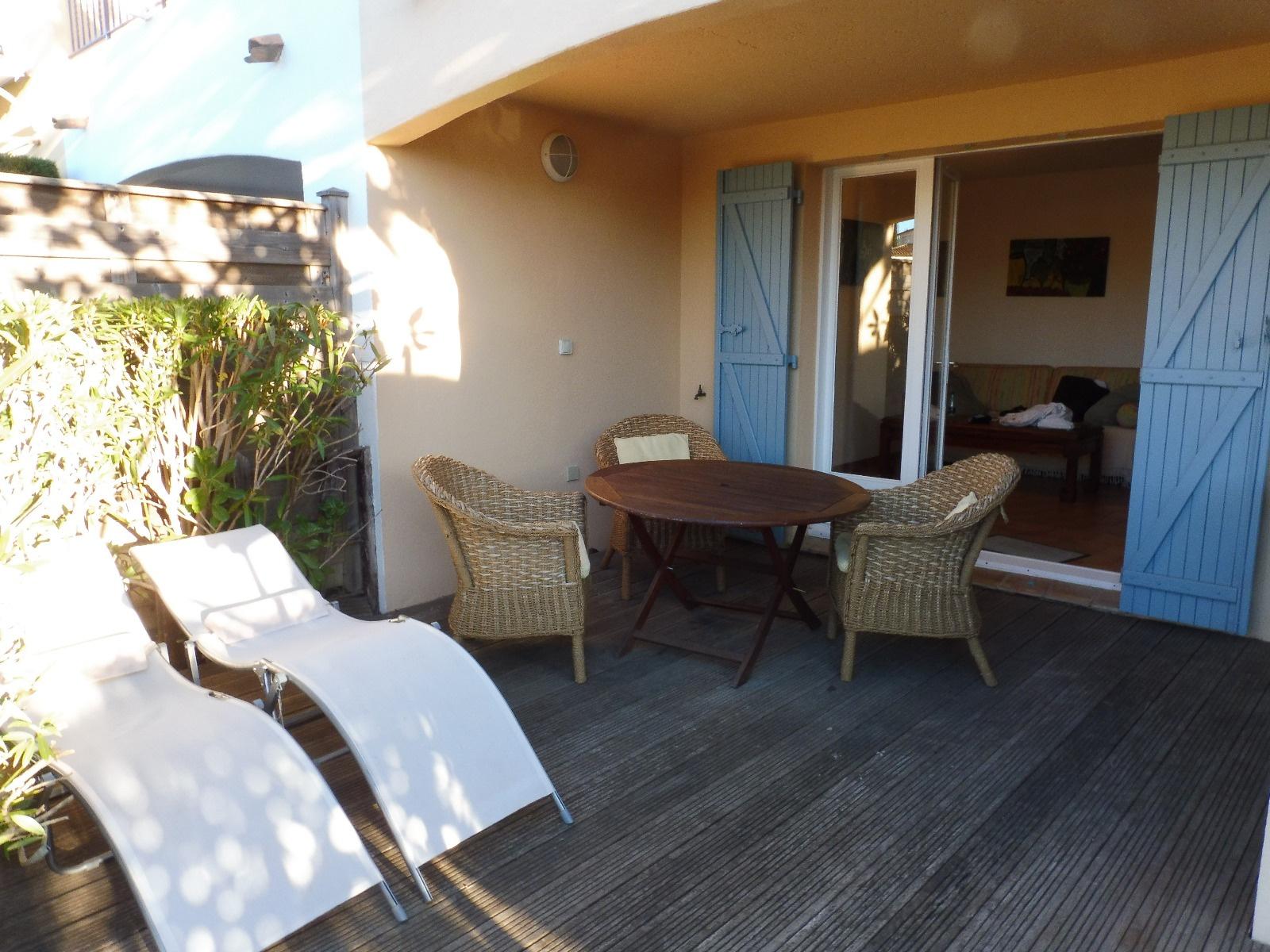 offres locations vacances LOCATION DE VACANCES MAISON DE PECHEUR 2 CHAMBRES PORT COGOLIN